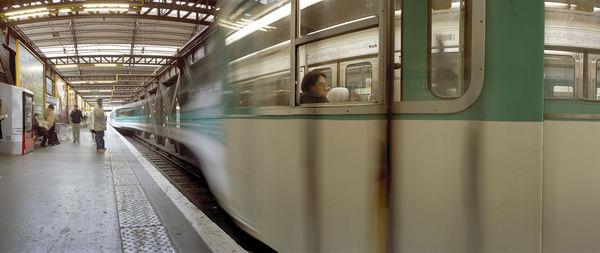Bild Nr. 2614 — Wolf-Dietrich Weissbach (*1952): Paris (Gare d'Austerlitz) (2002)
