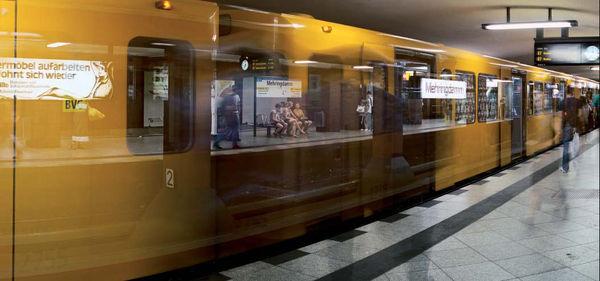 Bild Nr. 7413 — Wolf-Dietrich Weissbach (*1952): Berlin (Mehringdamm) (2009)
