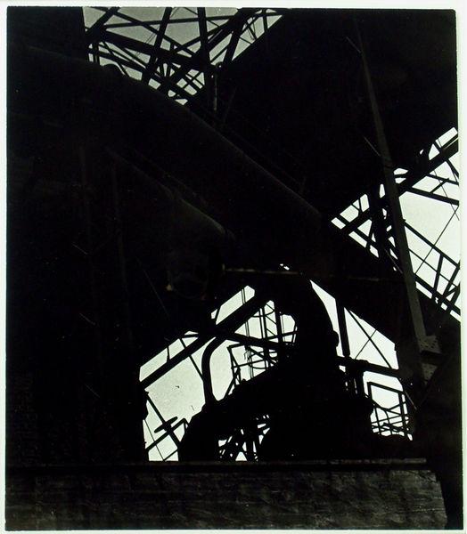 Bild Nr. 8993 — Eugen Batz (1905-1984): Industrieanlage in Duisburg (1928)